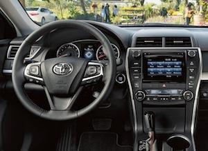 2017 Toyota Camry Hybrid cabin