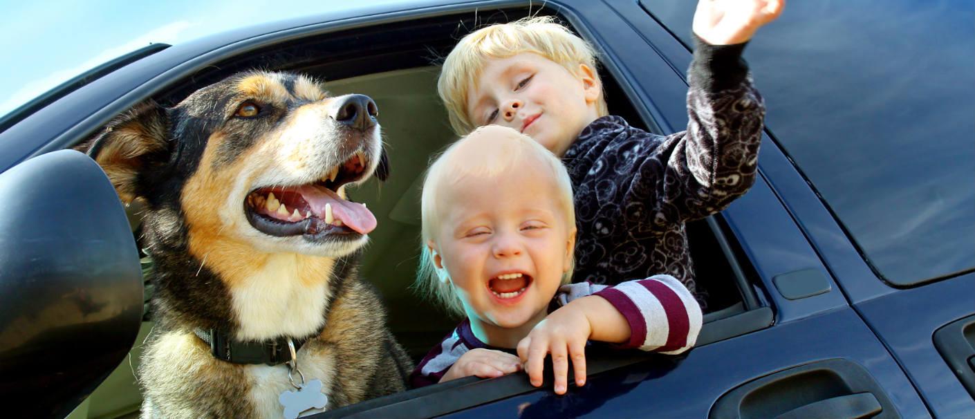 happy-kids-and-dog