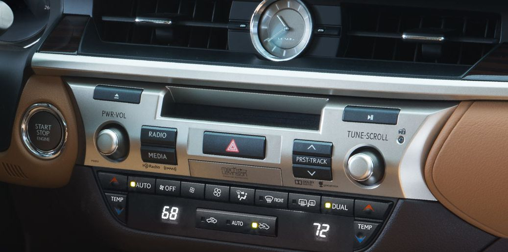 Lexus ES 350 Dual-Zone Climate Control with the Smog Sensor